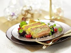 Foie Gras (fatty duck or goose liver) - Chowcation Foie Gras Vegan, Force Feeding, Charcuterie, Tuna, Poultry, Healthy Recipes, Fish, Meat, Ethnic Recipes
