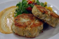 Crab Cakes and Bean, Corn & Pepper Salad by Lynn Crawford, guest on Cityline Chef Recipes, Seafood Recipes, Wine Recipes, Food Network Recipes, Appetizer Recipes, Healthy Recipes, Appetizers, Yummy Recipes, Recipies