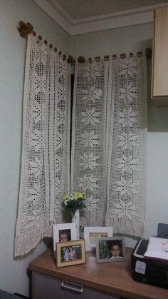 Crochet Curtain Pattern, Crochet Mandala Pattern, Crochet Curtains, Crochet Cushions, Curtain Patterns, Lace Curtains, Curtain Designs, Crochet Doilies, Crochet Patterns