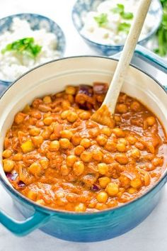 Chickpea Tikka Masala - amazingly tasty and satisfying. Made with just 5 ingredients and so super easy to make. Entirely vegan and gluten free. Veggie Dishes, Veggie Recipes, Indian Food Recipes, Whole Food Recipes, Cooking Recipes, Healthy Recipes, Dinner Recipes, Ham Recipes, Appetizer Recipes
