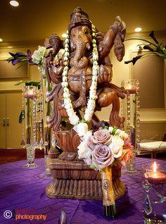 Beautiful statue, ideal for aisle item Indian Wedding Deco, India Wedding, Wedding Centerpieces, Wedding Decorations, Wedding Backdrops, Plan My Wedding, Dream Wedding, Sri Ganesh, Lord Ganesha