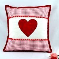 Almofada Vermelha Coração – Tecido Círculo