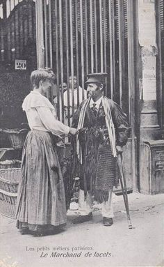 Paris 1900, Old Paris, Street Musician, Photo Vintage, Romance, History Of Photography, Life Is Hard, Christmas Carol, Belle Epoque
