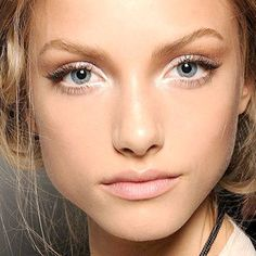 Spring Makeup Looks from the Runways