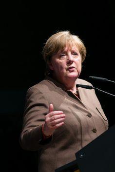 Fotograf Kassel   Angela Merkel   Politischer Aschermittwoch CDU Volkmarsen   Karsten Socher Fotografie http://blog.ks-fotografie.net/pressefotografie/angela-merkel-volker-bouffier-kwhe16-volkmarsen/
