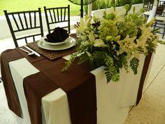Centros de mesa para novios en blanco Quinta Pavo Real del Rincón www.pavorealdelrincon.com.mx