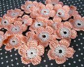 10 x Crochet Flowers, Crochet Daisy, Handmade Crochet Embellishment, Small Crochet Flowers, Natural White Light Pink, Appliques - set of 10