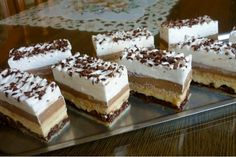 Children Bueno cuts - is addictive - Kuchen - Dessert Oreo Desserts, Pudding Desserts, Strawberry Desserts, Gluten Free Desserts, Easy Desserts, Delicious Desserts, Dessert Recipes, Sweet Potato Hash Browns, Spring Desserts