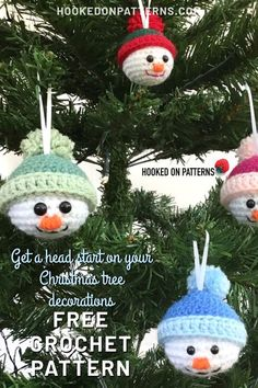 Start Christmas with my FREE adorable crochet Snowman baubles. Put them on your Christmas tree, or give them as little festive gifts! Crochet Christmas Decorations, Crochet Christmas Ornaments, Christmas Crochet Patterns, Snowman Decorations, Holiday Crochet, Crochet Toys Patterns, Crochet Gifts, Modern Crochet Patterns, Free Crochet