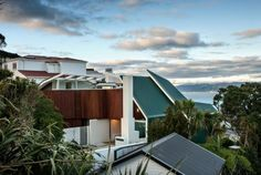 The Seaview House Features A Peculiar, But Chic Design | Nimvo - Interior Design & Luxury Homes