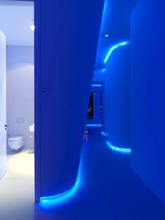 Oficina futurista con luces LED