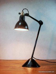 Lampe ajustable Gras 205 |  Authentique lampe ajustable Gras brevetée s.g.d.g. modèle 205 portatif pour bureau, créé par Bernar...