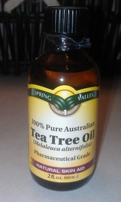 Throw out the toner full of alcohol and use this. Apply with cotton ball morning an night and anytime skin feels oily/dirty. It's great to have with you for the gym to freshen up after a workout. Tea Tree Oil Uses, Tea Tree Oil For Acne, Beauty Care, Beauty Skin, Health And Beauty, Beauty Tips, Diy Beauty, Beauty Stuff, Beauty Hacks