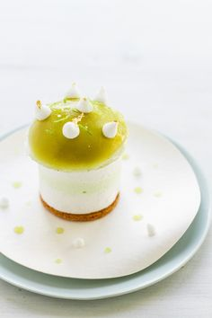 Apple Pastry by Yann Menguy - Recipe here: http://www.france2.fr/emissions/qui-sera-le-prochain-grand-patissier/recettes/yann-c-est-pour-ma-pom_68706