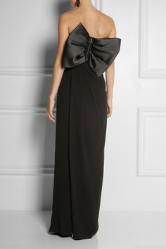 Lanvin. Absolutely gorgeous. I need this in my closet.