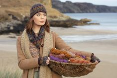 Alice Starmore® Yarns are made from pure new British wool and come in four ranges. Alice designed them to be the perfect media with which to realise a broad spectrum of textile work – in knitting, needlepoint, weaving, tapestry, felting and embroidery. Cardigan Design, Hand Knitting Yarn, Harris Tweed, Color Blending, Woman Painting, Knitting Designs, Wool Yarn, Color Themes, Textile Design