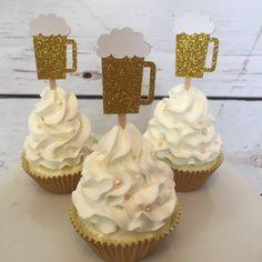 Beer mug cupcake topper - birthday - birthday - cheers to 30 years - dirty thirty - thirsty thirty - cupcake toppers - cumple fredy - Bier 25th Birthday Ideas For Him, 30th Birthday Cupcakes, Beer Birthday Party, Birthday Decorations For Men, 25th Birthday Parties, Birthday Cheers, Thirty Birthday, 30th Party, 21st Birthday Themes