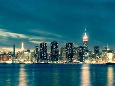 Ciudad noche mar costa