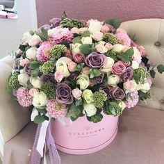 Beautiful Bouquet Of Flowers, Amazing Flowers, Beautiful Flowers, Flower Box Gift, Flower Boxes, Floral Centerpieces, Floral Arrangements, Bouquet Box, Happy Birthday Flower