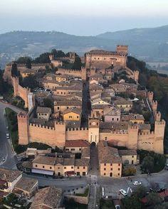 Parking Design, Fortification, Birds Eye View, Roman Empire, Paris Skyline, Mansions, Landscape, House Styles, Places