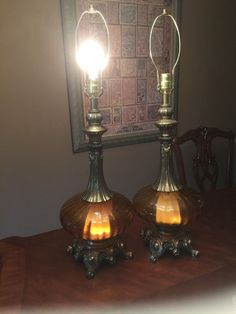 2 AMBER GLASS TABLE LAMPS HOLLYWOOD REGENCY VTG MID CENTURY MATCHING 1972u2026