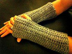 Design Adventures: Easy Fingerless Gloves - free crochet pattern