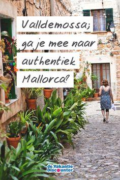 ☀✈ Ga jij binnenkort naar Mallorca? Dan mag je Palma de Mallorca en Cap Formentor zeker niet missen. ✈☀ Maar wij voegen graag nog een derde favoriet aan dit lijstje toe: het authentieke Valldemossa! 📸 #travel #vakantie #mallorca #valldemossa Travel, Europe, Majorca, Trips, Viajes, Traveling, Outdoor Travel, Tourism