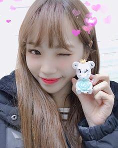 Sakura Miyawaki, Gfriend Sowon, Fandom, Japanese Girl Group, Blackpink And Bts, Beautiful Fairies, Star Girl, Shining Star, Pledis Entertainment