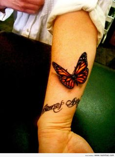 BUTTERFLY TATTOO - Love the realistic aesthetic to this piece.