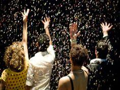 """O espetáculo """"[O] Bloco do Eu Sozinho"""", inspirado no segundo álbum da banda Los Hermanos será apresentado no projeto """"Sexta de Cultura"""" do Teatro Humboldt, na sexta, 21, às 21h. O ingresso custa 1 quilo de alimento não perecível."""