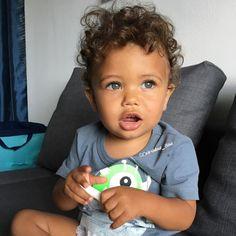 Food Allergies in Kids Mixed Baby Boy, Cute Mixed Babies, Cute Black Babies, Cute Baby Boy, Cute Little Baby, Pretty Baby, Cute Kids, Cute Babies, Baby Kids