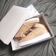 Tan AF1  _____________________________________________  #Nike #airforce #airforce1 #nikelab #tan #oxford #pastel #clean #unboxing #box #sneakerbox #sneaker #sneakers #sneakerhead #sneakernews #kicks #kicksonfire #kickstagram #nicekicks #sole #solebox #solecollector #great #hypebeast #highsnobiety #instapic #instacool #instagram #instamood #instadaily by blkvis http://ift.tt/1QjK56G