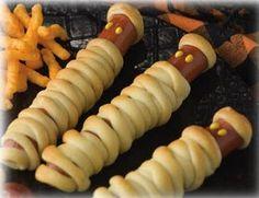 yummy mummy hotdogs... halloween lunch!
