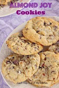 Almond Joy Cookies - sensational cookie absolutely LOADED with coconut chocolatechips and almonds!