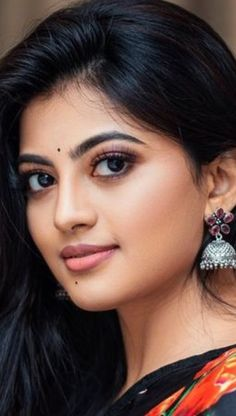 Beautiful Girl Photo, Beautiful Girl Indian, Beautiful Indian Actress, Beautiful Women, Cute Beauty, Beauty Full Girl, India Beauty, Asian Beauty, Actress Without Makeup
