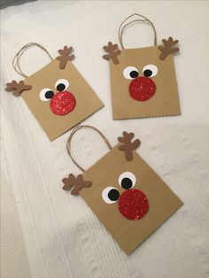 In this DIY tutorial, we will show you how to make Christmas decorations for your home. The video consists of 23 Christmas craft ideas. Easy Homemade Christmas Gifts, Christmas Gift Bags, Christmas Fun, Christmas Jewelry, Christmas Presents, Christmas Crafts For Kids To Make Toddlers, Christmas Decorations For Kids, Christmas Crafts For Gifts, Christmas Wrapping