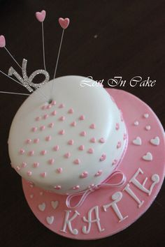 Brief: 16th Birthday Cake in Pink and White