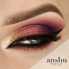 Sunset Ombre-- Makeup Geek Eyeshadows     ***Bitten   ***Corrupt   ***Crème Brulee   ***Latte   ***Peach Smoothie   ***Flame Thrower