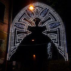 Vieni all'inferno con me #guasto #luminarie #lights #indie #hindi #indù #India #bologna