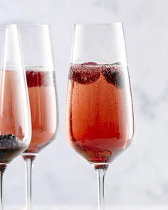 Ontdek het klassieke recept voor Kirr Royal. Supereenvoudig maar zo lekker en feestelijk!