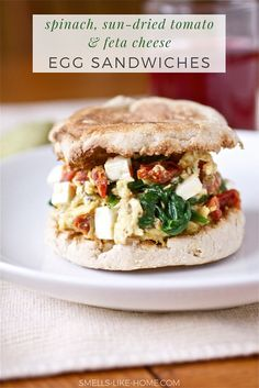 Easy, delicious and healthy Spinach, Feta and tomato Egg Sandwiches recipe from SparkRecipes. See our top-rated recipes for Spinach, Feta and tomato Egg Sandwiches. Think Food, I Love Food, Good Food, Yummy Food, Tasty, Delicious Meals, Healthy Breakfast Recipes, Brunch Recipes, Healthy Eating