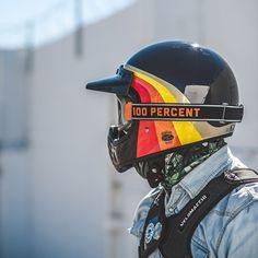 Bell Moto III helmet with Ride Barstow goggles Casque Bell Moto III avec lunettes Ride Barstow Retro Motorcycle Helmets, Retro Helmet, Biker Helmets, Vintage Helmet, Biker Gear, Motorcycle Gear, Bmx, Motocross, Casque Bell