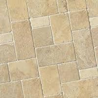 Risultati immagini per pietra leccese pavimenti esterno