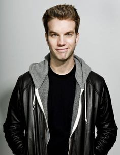 Anthony Jeselnik and Norm Macdonald added to Last Comic Standing - Carolines on Broadway Anthony Jeselnik, Youtubers, Last Comic Standing, Norm Macdonald, The Comedian, Stand Up Guys, Mothers Day Weekend, Jimmy Kimmel Live, The Daily Show