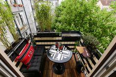 Auch kleine Balkone können mit einer liebevollen und kreativen Gestaltung ganz groß rauskommen. Wir zeigen euch, wie ihr den wenigen Platz so richtig in Szene setzt.