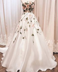 CIEL de GIA Bridal on The dress is named Princess Margareta with ribbon embroidery roses La Penderie de GIA Bridal Boutique Add: 182 Hng Bng (Tng - Floral Prom Dresses, Cute Prom Dresses, Flower Dresses, Ball Dresses, Pretty Dresses, Ball Gowns, Evening Dresses, Formal Dresses, Prom Flowers