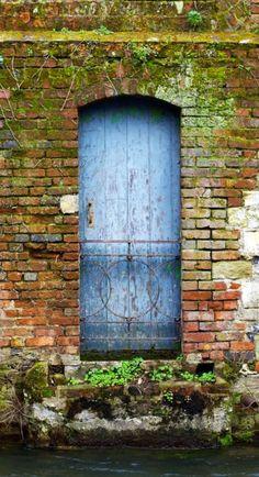 door... Winchester, Hampshire, England