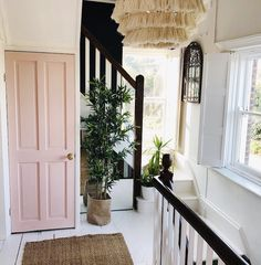 Black and white stairs with pink door , Landing space with black bannisters and soft pink cupboard door. Home Interior Design, Interior And Exterior, Interior Door, Scandinavian Interior, Pink Hallway, Black And White Stairs, Black Painted Stairs, Black Door, Mad About The House