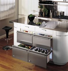 32 Undercounter Refrigerator Drawers Have Lately Become Increasingly Popular in Modern and Contemporary Kitchens New Kitchen, Kitchen Decor, Updated Kitchen, Compact Kitchen, Maple Kitchen, 1950s Kitchen, Studio Kitchen, Kitchen Small, Cheap Kitchen