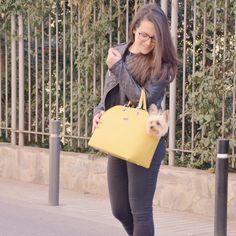 Bolso Charlot Amarillo. Un bolso para pasear con tu perro.